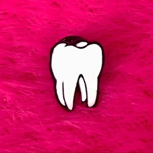 Accessories - LUCKY TOOTH pin